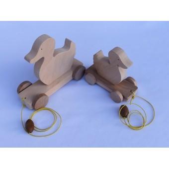 Drvena igračka - životinja za vući - Patka