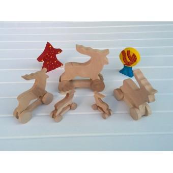 Drvena igračka - životinja na kotačima - Jelen